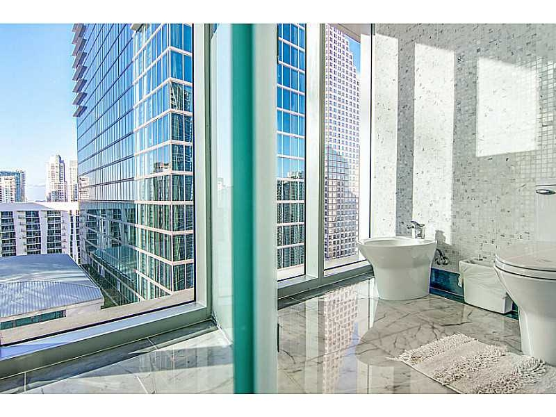 Appartement tr s moderne ventes immobili res de prestige for Acheter maison miami